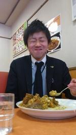 美味しそうに食べる 手塚⑪.JPG