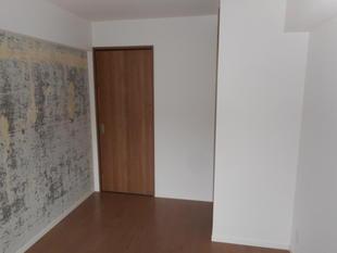 ご入居様が選べる壁紙!賃貸用マンションのリフォーム工事