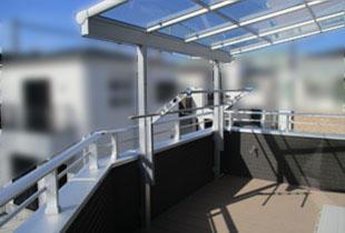 バルコニー屋根・ウッドデッキ設置工事